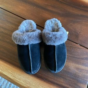 UGG Shoes - Ugg Scuffette II Slipper